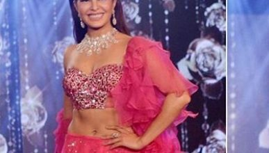 Photo of Jacqueline Fernandez stuns in this bright pink lehenga at the Wedding Junction Show