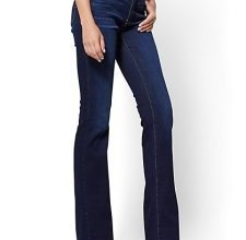 Photo of '90s favourite bootcut jeans back in style?