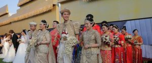 Photo of At a mass wedding ceremony in Sri Lanka 50 Chinese couples got married