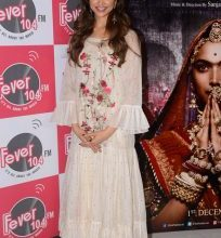 Photo of Deepika promotes Ghoomar in a ruffled maxi dress