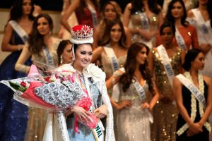 Photo of Indonesia's Kevin Lilliana crowned Miss International 2017