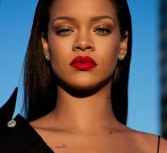 Photo of Rihanna asks fans not to make fun of her first make up tutorial