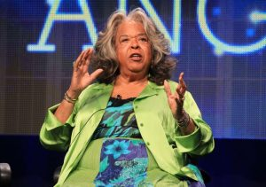 Photo of Pop and jazz singer Della Reese dies at 86