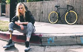 Photo of Model Lauren Wasser lost a leg after using a tampon