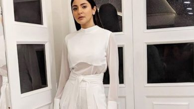 Photo of Anushka Sharma looks cool in this all white outfit