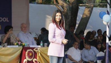Photo of Aishwarya Rai Bachchan stuns in this blazer-jeans combo
