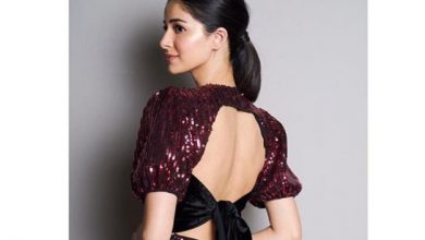 Photo of Ananya Panday looks beautiful in this sequinned dress