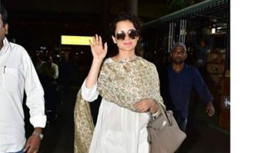 Photo of Kangana Ranaut and Kareena Kapoor Khan's airport looks