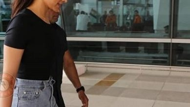 Photo of Deepika Padukone keeps it simple in this light blue jeans and black t-shirt