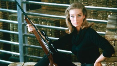 Photo of Bond girl Tania Mallet dies at 77