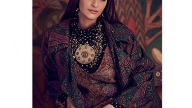 Photo of Sonam Kapoor stuns in this Sabyasachi Mukherjee outfit