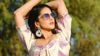 Photo of Sunny Leone looks super hot in this floral crop top and thigh-slit skirt