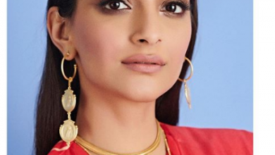 Photo of Sonam Kapoor Ahuja stuns in this red outfit
