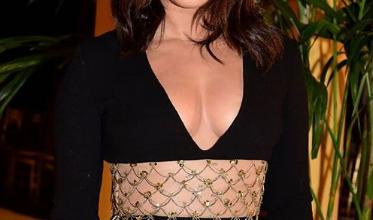 Photo of Priyanka Chopra nails this black dress at NYFW