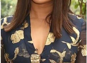 Photo of Priyanka Chopra Jonas stuns in this Oscar de la Renta dress