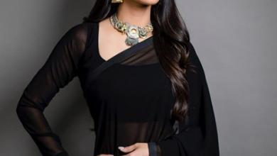 Photo of Shruti Haasan looks spendid in black sari