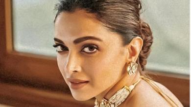 Photo of Deepika Padukone looks gorgeous in this golden sari