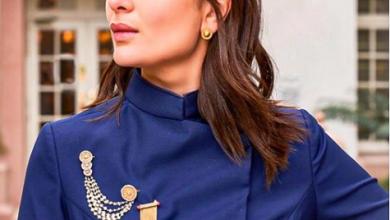 Photo of Kareena Kapoor stuns in this bandhgala jacket and pants