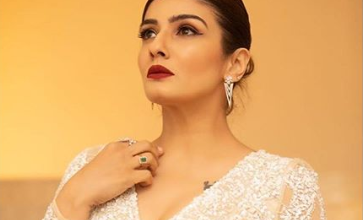 Photo of Raveena Tandon looks hot in a gown