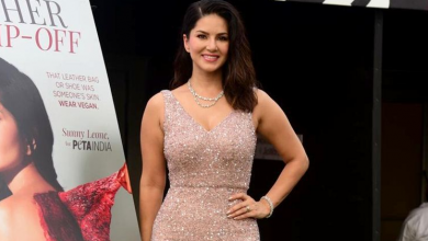 Photo of Sunny Leone looks glamorous in this bodycon dress