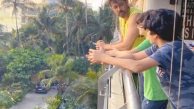 Photo of Hrithik Roshan chats with his sons as he enjoys 'Summer of Lockdown' while Sussanne Khan captures them; Watch
