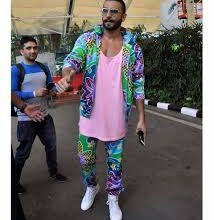 Photo of Ranveer Singh Turned Joe Exotic and Posed With A Tiger! Check Out The Photoshopped Image