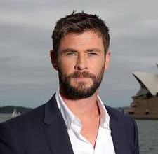 Photo of Chris Hemsworth to swim with sharks for Nat Geo special