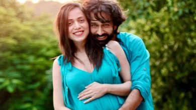 Photo of Nakuul Mehta, Jankee Parekh are expecting their first child