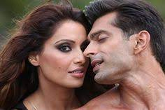 "Photo of ""Bipasha Basu and me look hot together,"" Karan Singh Grover waxes eloquent about his ladylove"