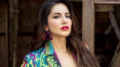 Photo of Sunny Leone soars the temperatures with her beach pictures