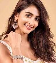 Photo of Pooja Hegde shares her experience of attending the Ganga aarti in Banaras